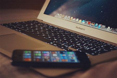 Copy iPhone SE Data to Mac